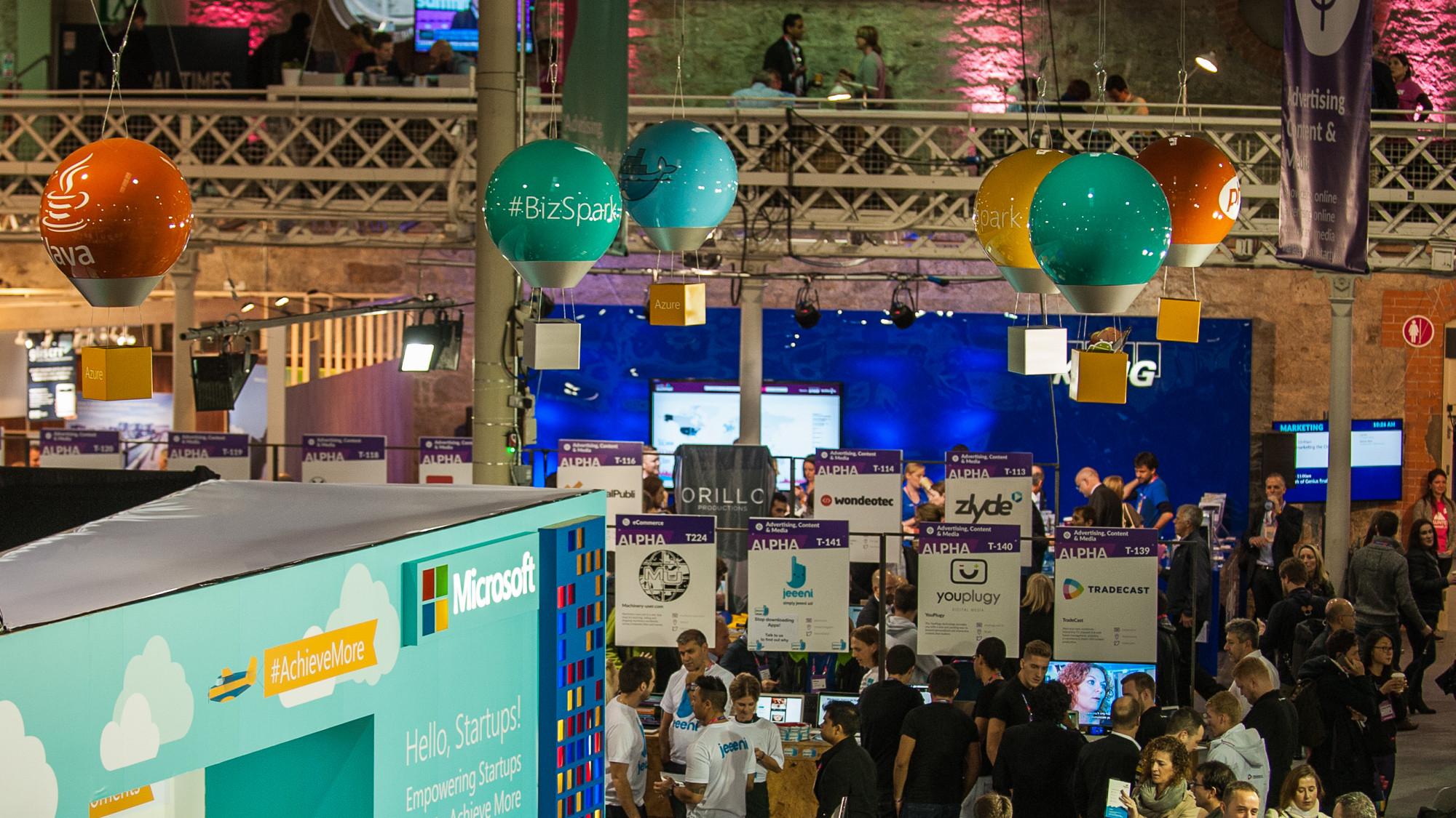 Giant-Hot-Air-Baloons-at-Web-Summit